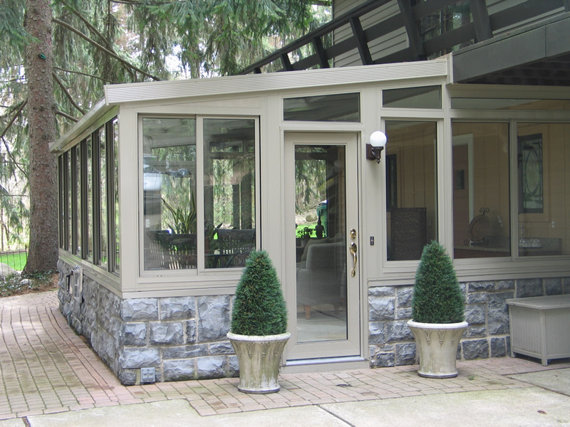 Sunroom design in washington township michigan for How to design a sunroom